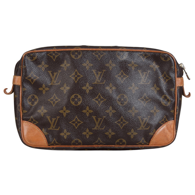 09dcb0a0d0c Louis Vuitton Clutch   The Next Closet