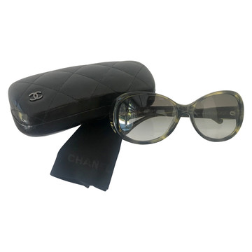 Tweedehands Chanel Sunglasses