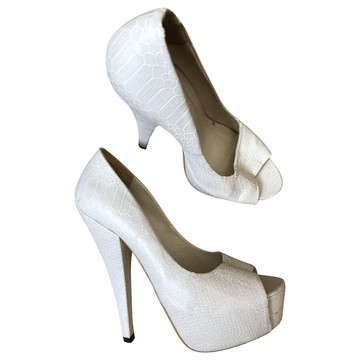 Tweedehands Josh V Pumps