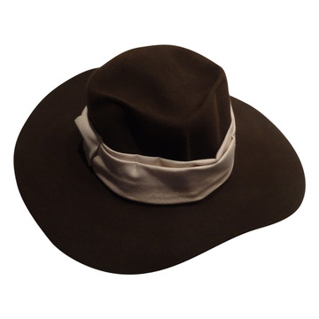 Tweedehands Marc Cain Hat