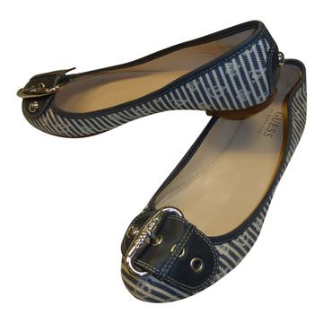 Tweedehands Guess Platte schoenen