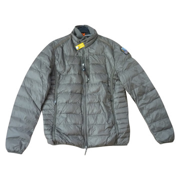 parajumpers shops in italy