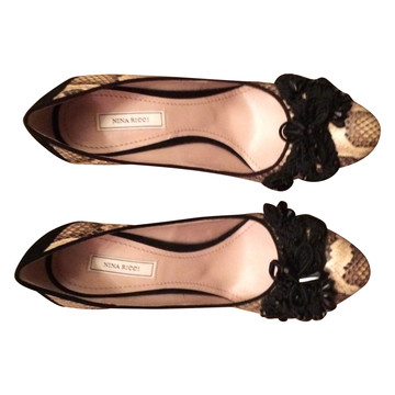 Tweedehands Nina Ricci Pumps