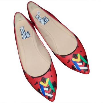 Tweedehands Moschino Flache Schuhe