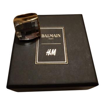 Tweedehands H&M x Balmain Sieraad