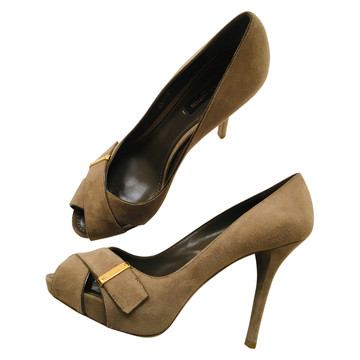 Tweedehands Louis Vuitton Pumps