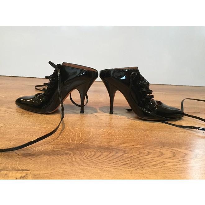 tweedehands Givenchy Heels