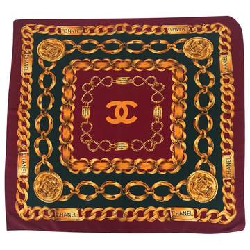 Tweedehands Chanel Scarf