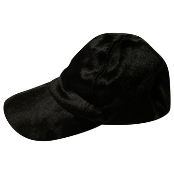 Tweedehands Armani Hat