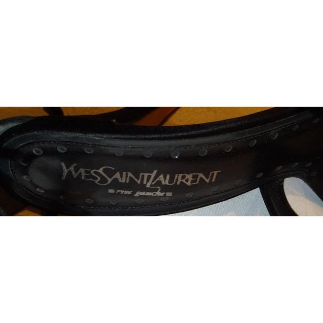tweedehands Yves Saint Laurent Pumps