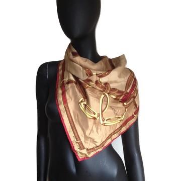 Tweedehands Basler Sjaal