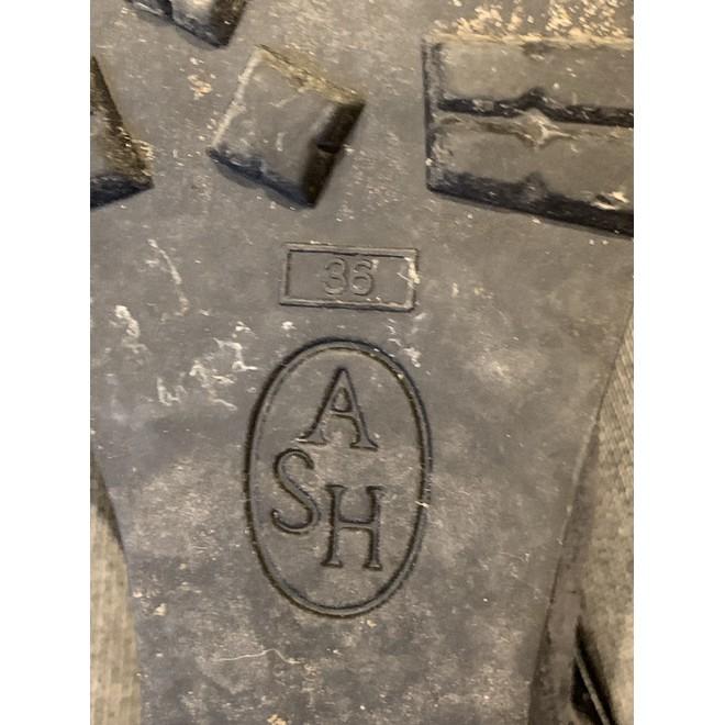 tweedehands Ash Wedges
