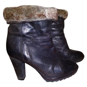 Tweedehands Fred de la Bretoniere Ankle boots