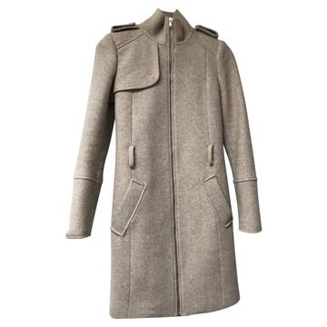 f94923dff27cca Koop tweedehands designer jassen in onze online shop