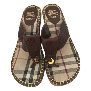 Tweedehands Burberry Wedges