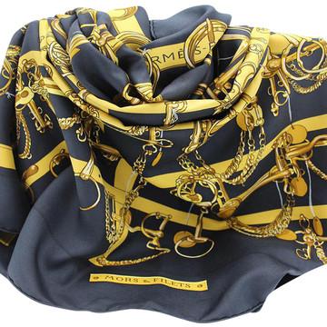 Tweedehands Hermès Paris Scarf