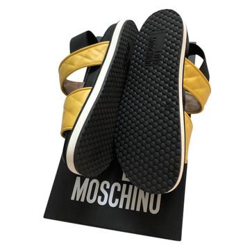 Tweedehands Moschino Sandalen