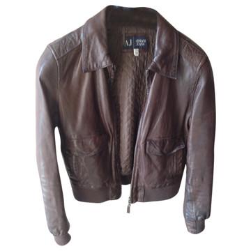 3bc0dbb5f45 Koop tweedehands designer jassen in onze online shop | The Next Closet