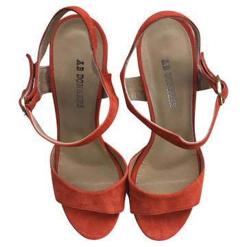 2643af1e249 Koop tweedehands designer kleding in onze online shop | The Next Closet