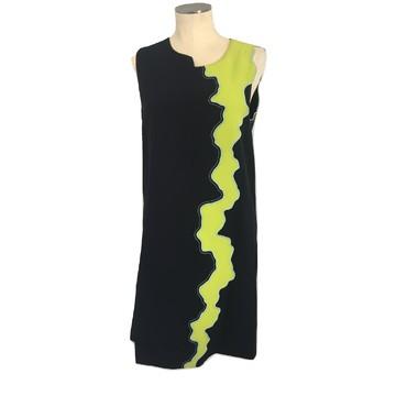 ceb9780b2a81e3 Koop tweedehands designer kleding in onze online shop