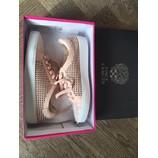 tweedehands Vince Camuto Sneakers