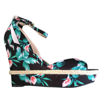 Tweedehands Guess Wedges