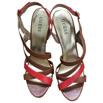 Tweedehands Guess Sandalen