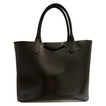 Tweedehands Givenchy Handtasche