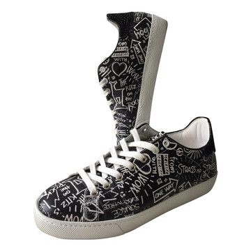 fdb75f095bb Koop tweedehands designer schoenen in onze online shop | The Next Closet