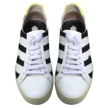 Tweedehands Off White Sneakers