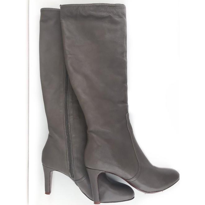 tweedehands Elie Tahari Boots