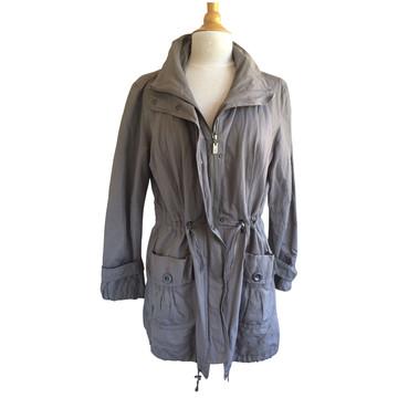 Tweedehands Reset Jacke oder Mantel