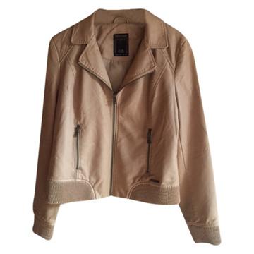 Tweedehands Guess Jacke oder Mantel