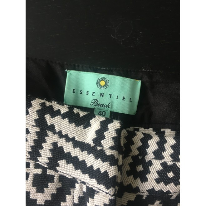 tweedehands Essentiel Shorts