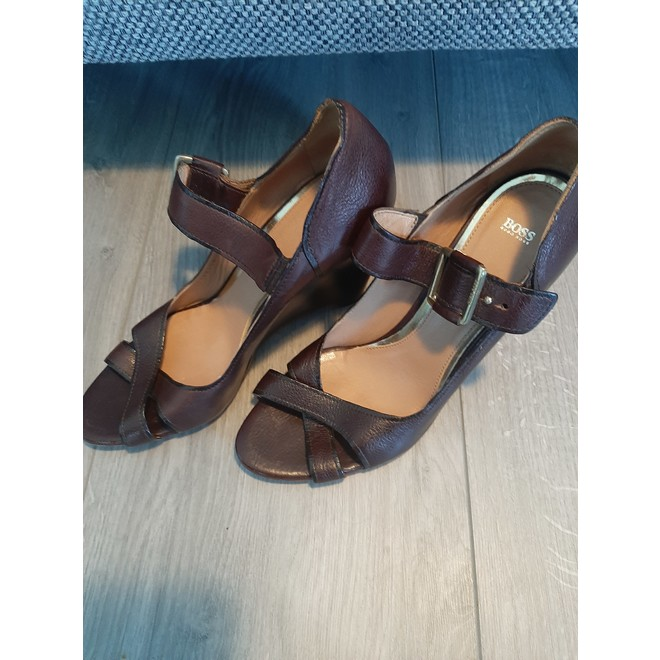 tweedehands Hugo Boss Sandalen