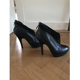 tweedehands Yves Saint Laurent Pumps
