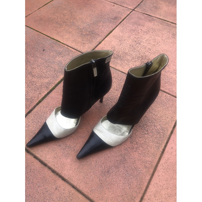 tweedehands Chanel Ankle boots