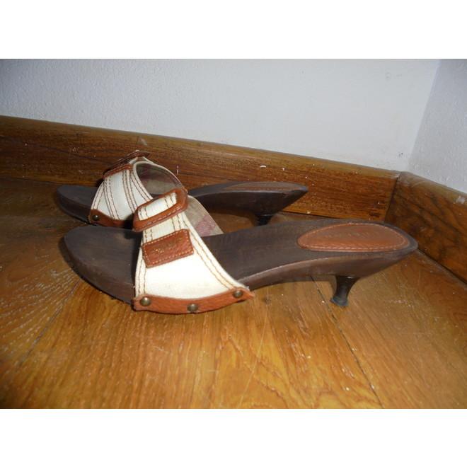 tweedehands Burberry Sandalen