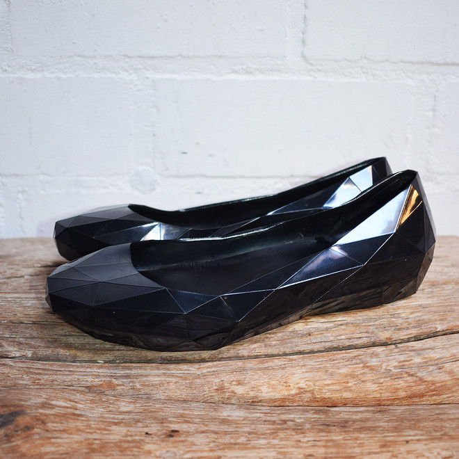 tweedehands United Nude flats