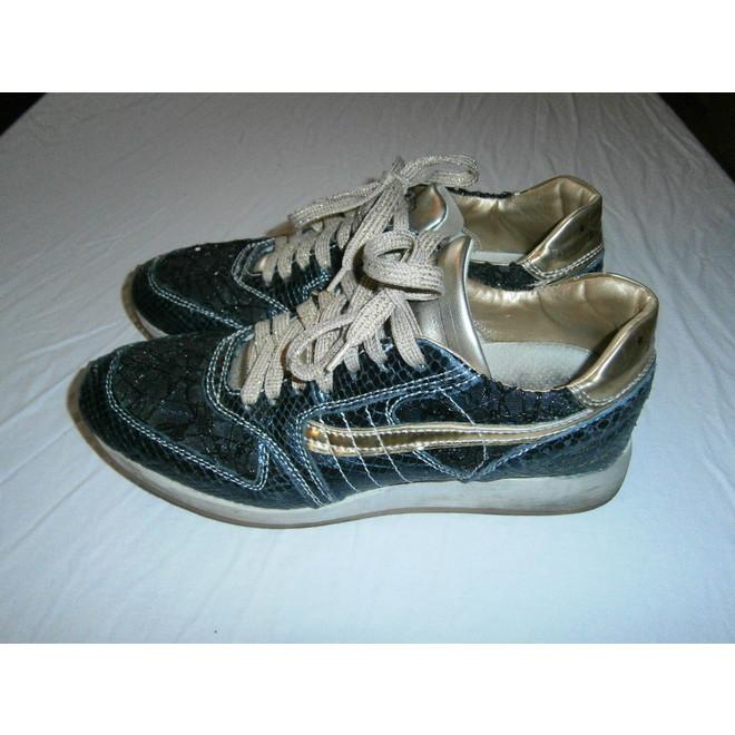 tweedehands Primabase Sneakers