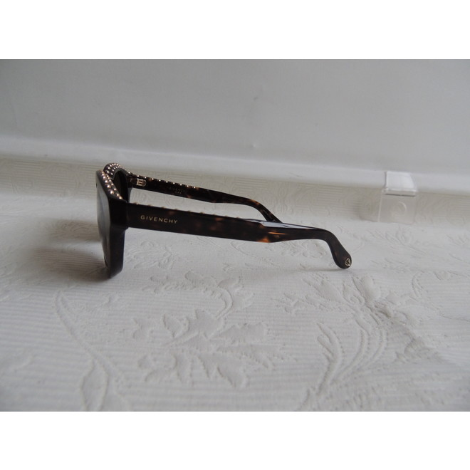 tweedehands Givenchy Sunglasses