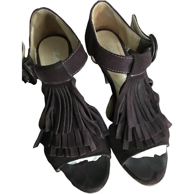 tweedehands Talking French Sandals