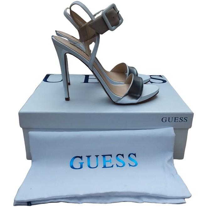 tweedehands Guess Pumps