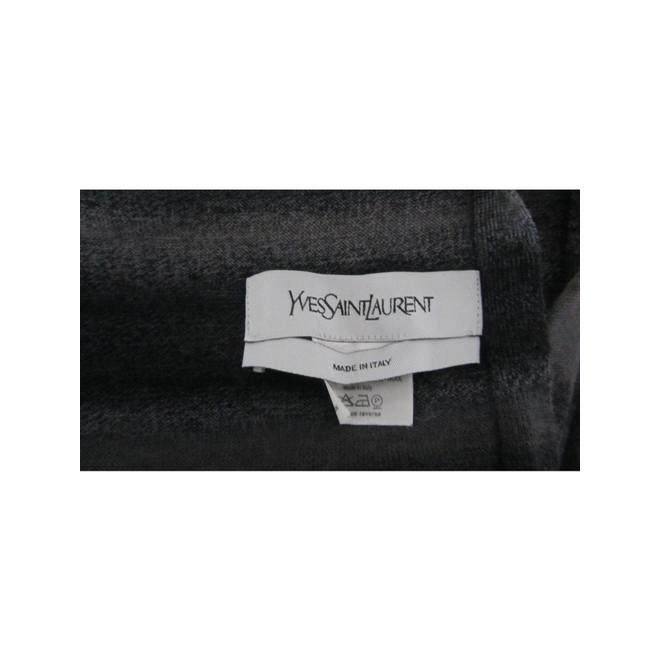 tweedehands Yves Saint Laurent Sjaal