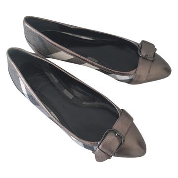 Tweedehands Burberry Platte schoenen