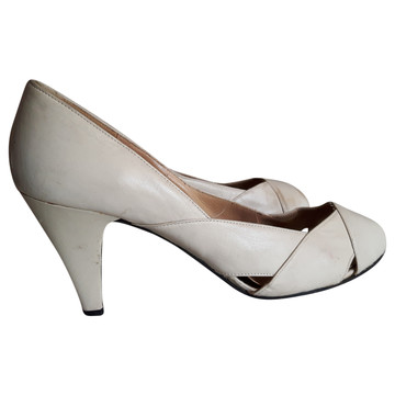 Tweedehands Charles Jourdan Pumps