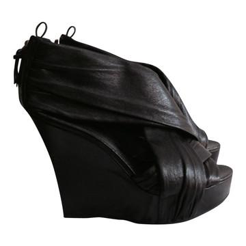 Tweedehands Givenchy Sleehakken