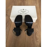 tweedehands Prada Pumps
