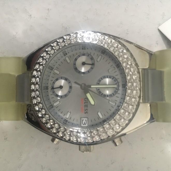 tweedehands Guess Horloge