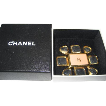 Tweedehands Chanel Broch